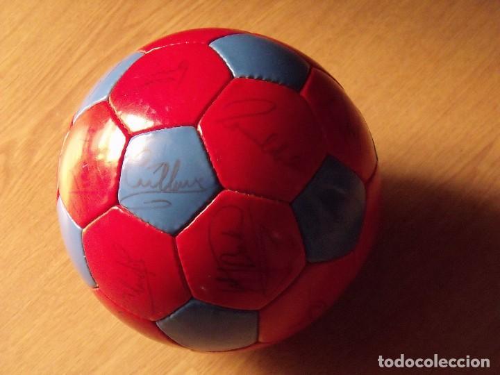 Coleccionismo deportivo: BALÓN, PELOTA F. C. BARCELONA 1996-97. 22 AUTÓGRAFOS, FIRMAS: RONALDO, FIGO, STOICHkOV, GUARDIOLA... - Foto 18 - 145165630