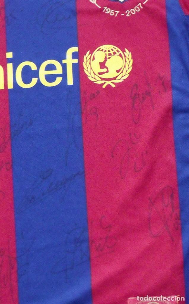 Coleccionismo deportivo: CAMISETA F.C. BARCELONA. 19 AUTÓGRAFOS PLANTILLA 2007-2008: RONALDINHO, ETOO, HENRY, ABIDAL, XAVI. - Foto 2 - 147334038