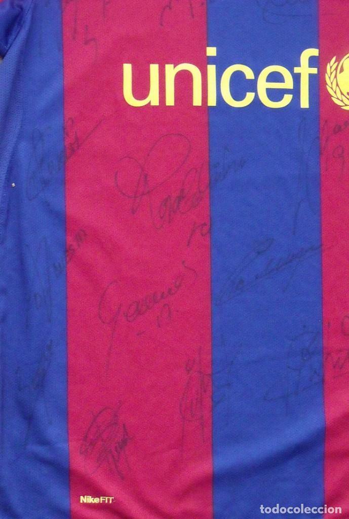 Coleccionismo deportivo: CAMISETA F.C. BARCELONA. 19 AUTÓGRAFOS PLANTILLA 2007-2008: RONALDINHO, ETOO, HENRY, ABIDAL, XAVI. - Foto 7 - 147334038