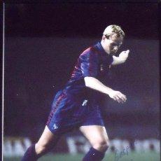 Coleccionismo deportivo: RONALD KOEMAN. FOTOGRAFÍA CON AUTÓGRAFO ORIGINAL, FIRMA Y DEDICATORIA. 1990. F.C.BARCELONA.. Lote 150243610