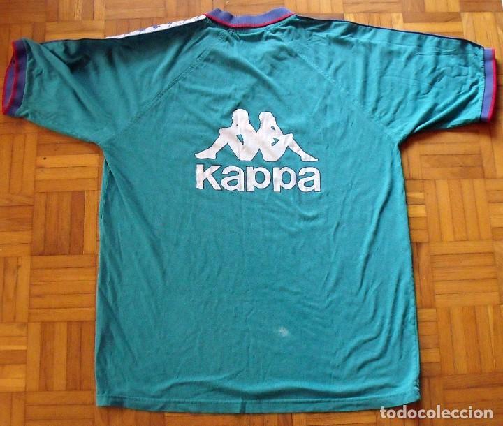 Coleccionismo deportivo: Camiseta F.C.Barcelona 1995-96. Kappa XL. 20 autógrafos, firmas: Figo, Guardiola, Nadal, Sergi..... - Foto 5 - 160405714