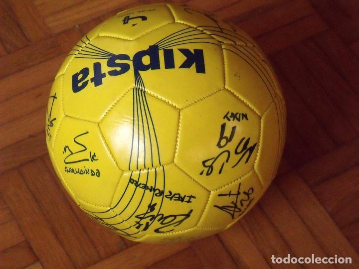 Coleccionismo deportivo: Balón F. C. Barcelona, sección balonmano 2010-11. 20 autógrafos, firmas plantilla. Kipsta. - Foto 3 - 160410214