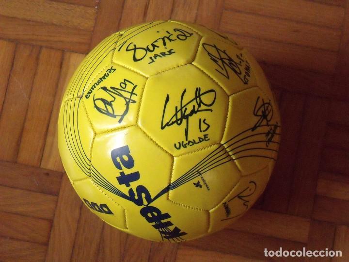 Coleccionismo deportivo: Balón F. C. Barcelona, sección balonmano 2010-11. 20 autógrafos, firmas plantilla. Kipsta. - Foto 4 - 160410214