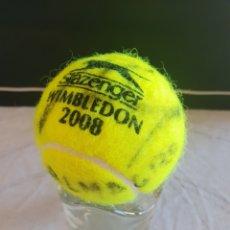 Coleccionismo deportivo: PELOTA WIMBLEDON 2008 TENIS AUTOGRAFIADA POR ALMAGRO. Lote 167637493