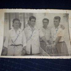 Coleccionismo deportivo: FOTOGRAFÍA ÚNICA TODOCOLECCION KUBALA RAMALLETS BASORA GONZALVO AUTOGRAFOS ORIGINALES 1950. Lote 169029592