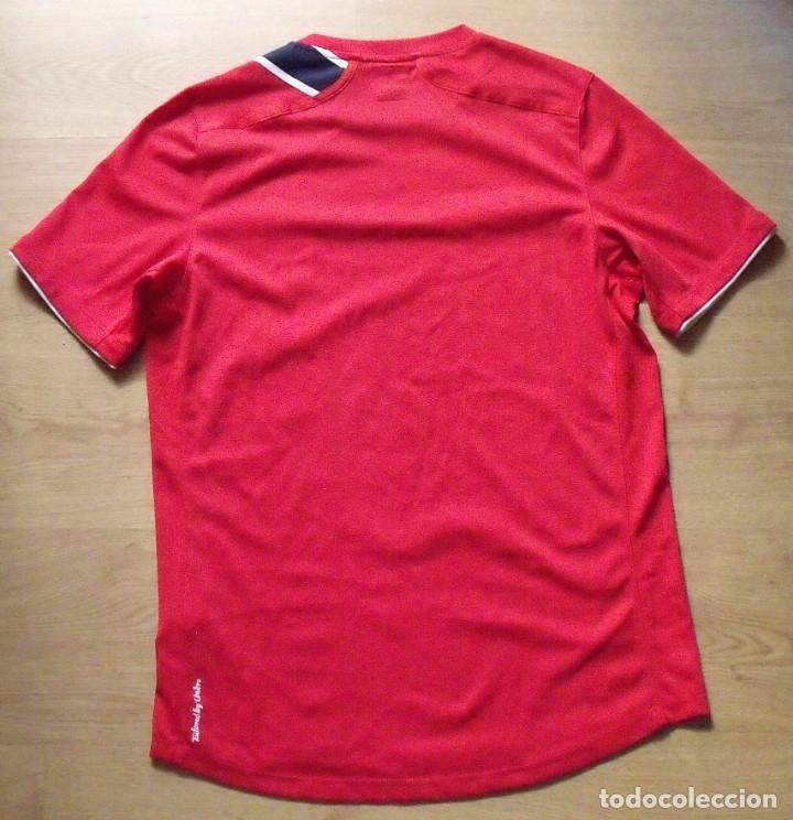 Coleccionismo deportivo: Camiseta Noruega. 21 autógrafos, firmas originales selección futbol 2012-13. Umbro talla S. - Foto 5 - 172701060