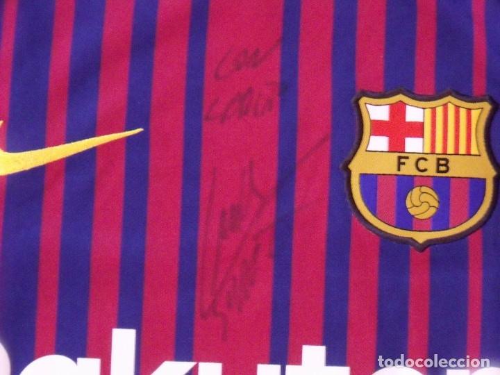Coleccionismo deportivo: Camiseta F.C. Barcelona. Autógrafo, firma Luis Suárez. Campus 17 Nike. M. Rakuten. Lote 3 camisetas. - Foto 5 - 174140603