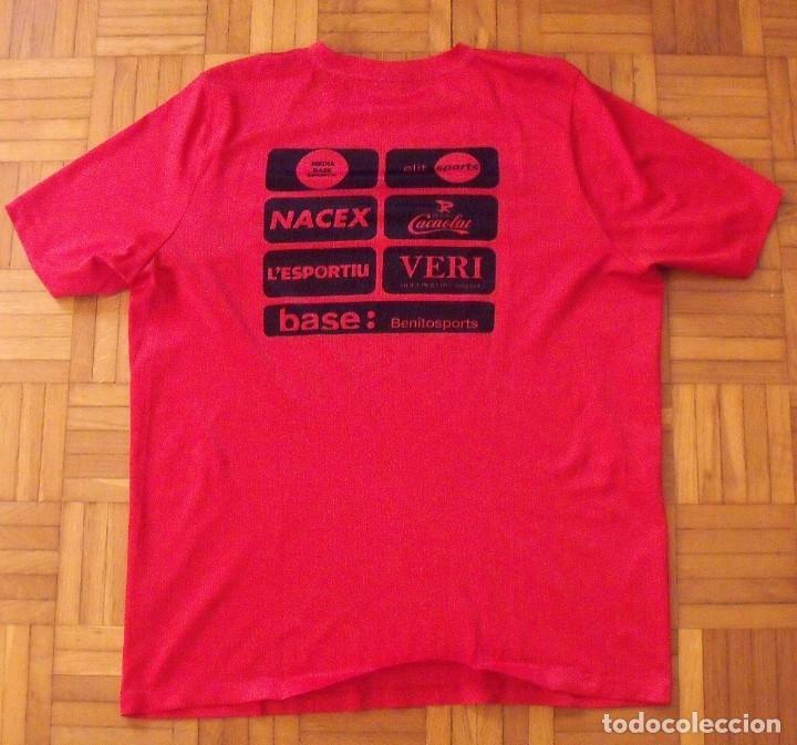 Coleccionismo deportivo: Camiseta F.C. Barcelona. Autógrafo, firma Luis Suárez. Campus 17 Nike. M. Rakuten. Lote 3 camisetas. - Foto 10 - 174140603