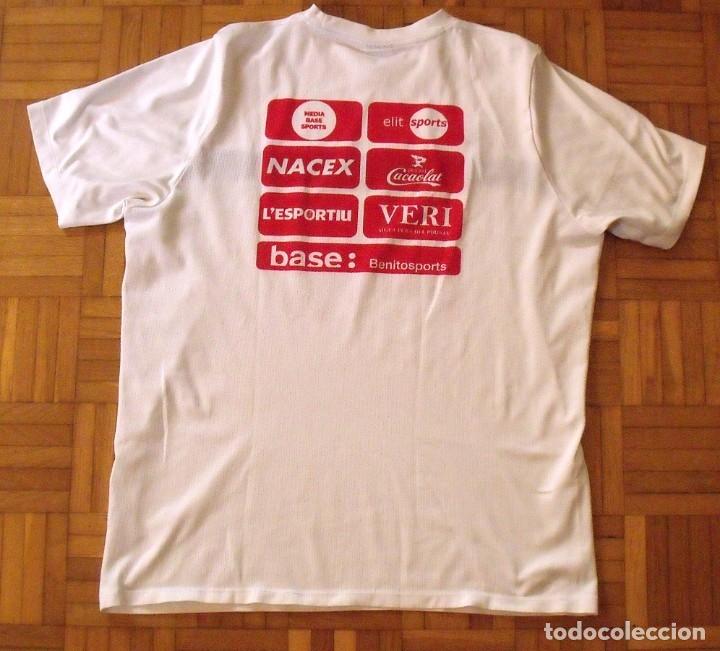 Coleccionismo deportivo: Camiseta F.C. Barcelona. Autógrafo, firma Luis Suárez. Campus 17 Nike. M. Rakuten. Lote 3 camisetas. - Foto 13 - 174140603