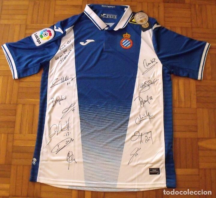 Coleccionismo deportivo: Camiseta R.C.D. Espanyol. 12 autógrafos, firmas. Temporada 2017-2018. Sergio García, Gerard Moreno.. - Foto 2 - 174142320