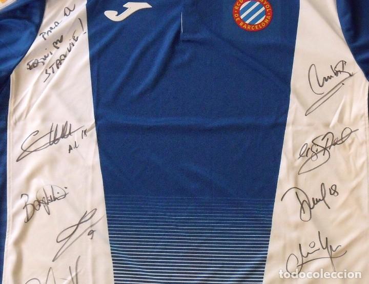 Coleccionismo deportivo: Camiseta R.C.D. Espanyol. 12 autógrafos, firmas. Temporada 2017-2018. Sergio García, Gerard Moreno.. - Foto 5 - 174142320