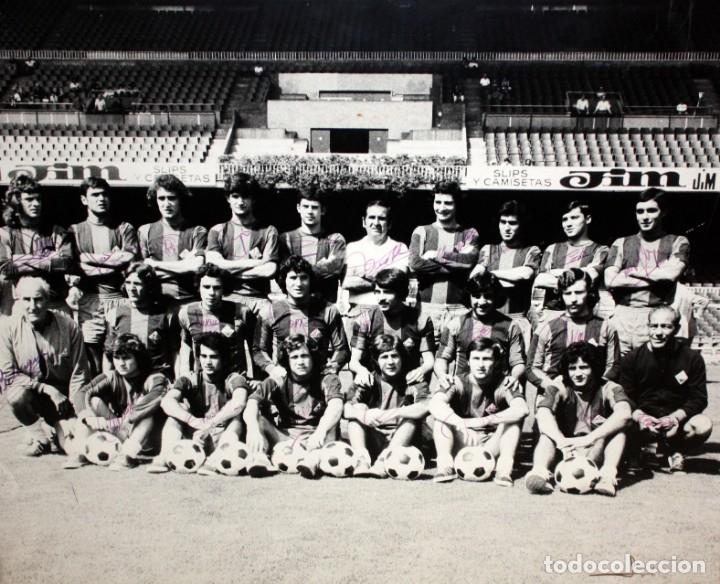FOTOGRAFIA DEL BARÇA ATLETIC - AÑOS 70 - CON FIRMAS DE LOS JUGADORES - FOTO SEGUI - 45,5 X 55 CM. (Coleccionismo Deportivo - Documentos de Deportes - Autógrafos)