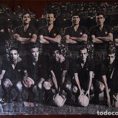Coleccionismo deportivo: POSTER 92X62 CM. AUTOGRAFIADO FC BARCELONA CAMPEÓN COPA 1967-68. ORIGINAL (FINAL DE LAS BOTELLAS) . Lote 183536800
