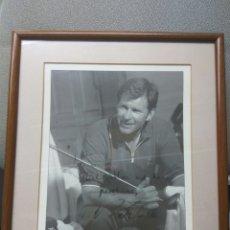 Coleccionismo deportivo: GOLF NICK FALDO AUTOGRAFO ORIGINAL FOTO TARJETA PRODUCTOS ADAMS. Lote 196978573