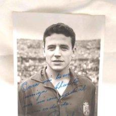 Coleccionismo deportivo: FOTOGRAFIA FIRMADA POR BOSCH CONVOCADO CON LA SELECCION ESPAÑOLA AÑO 1953. Lote 189984563