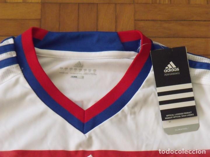 Coleccionismo deportivo: Camiseta Olympique Lyon. Autógrafo, firma Lisandro. Talla L. Nueva con etiquetas. Adidas. 2011-12. - Foto 6 - 194561481