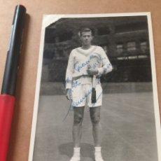 Coleccionismo deportivo: E. MOREA WIMBLEDON FOTO CON DEDICATORIA. Lote 202737130