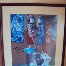 Coleccionismo deportivo: (F-200513)FOTOGRAFIA CON FIRMAS ORIGINALES DE REIXACH,AITO,RIVERA Y FIGUEROA F.C.BARCELONA. Lote 206253268