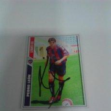 Coleccionismo deportivo: CROMO AUTOGRAFIADO PEDRO LEÓN LEVANTE U.D.. Lote 207056452