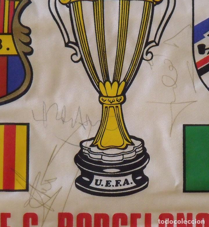 Coleccionismo deportivo: Banderín F.C. Barcelona. Autógrafos Cruyff, Alexanco, Urbano y Julio Alberto. Final Recopa 1989. - Foto 4 - 207580093