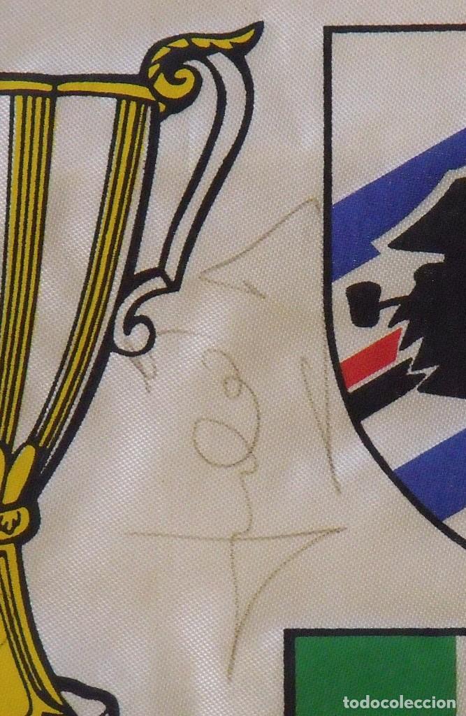 Coleccionismo deportivo: Banderín F.C. Barcelona. Autógrafos Cruyff, Alexanco, Urbano y Julio Alberto. Final Recopa 1989. - Foto 5 - 207580093