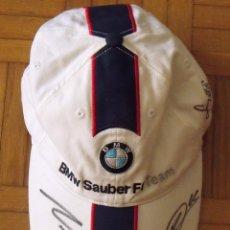 Coleccionismo deportivo: GORRA BMW SAUBER. FÓRMULA 1. ESPAÑA 2007. AUTÓGRAFOS SEBASTIAN VETTEL, ROBERT KUBICA Y NICK HEIDFELD. Lote 207817418