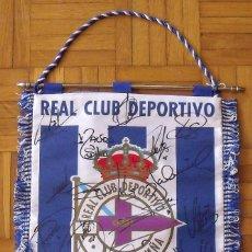 Coleccionismo deportivo: BANDERÍN REAL CLUB DEPORTIVO LA CORUÑA. 19 AUTÓGRAFOS PLANTILLA 2002-03: VALERÓN, FRAN, DONATO,. Lote 208700986