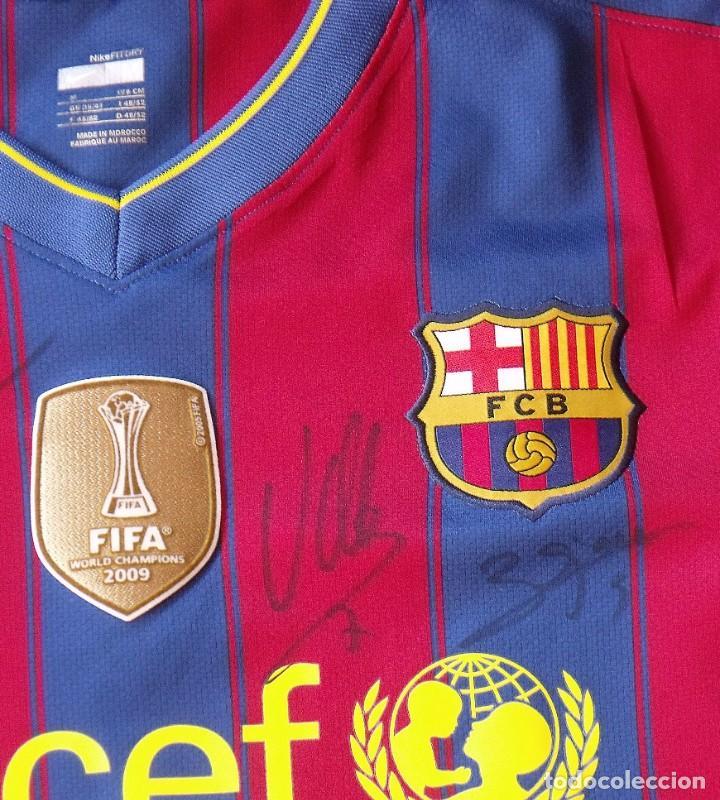 Coleccionismo deportivo: Camiseta F. C. Barcelona 2009-10. 19 autógrafos, firmas, autographs. Messi, Xavi, Iniesta. Nike M. - Foto 4 - 261245840