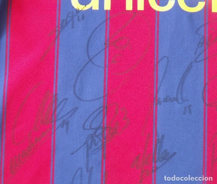 Coleccionismo deportivo: Camiseta F. C. Barcelona 2009-10. 19 autógrafos, firmas, autographs. Messi, Xavi, Iniesta. Nike M. - Foto 8 - 261245840