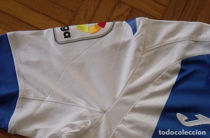 Coleccionismo deportivo: Camiseta C. D. Leganés. 2017-18. 12 autógrafos. Autographs. Firmas originales. Joma L. Original. - Foto 4 - 215634980