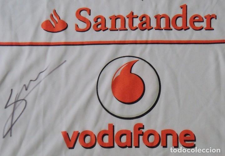 Coleccionismo deportivo: Camiseta Mercedes McLaren Fórmula 1. Autógrafos de Jenson Button Kevin Magnussen. Autographs. 2014. - Foto 2 - 217358417
