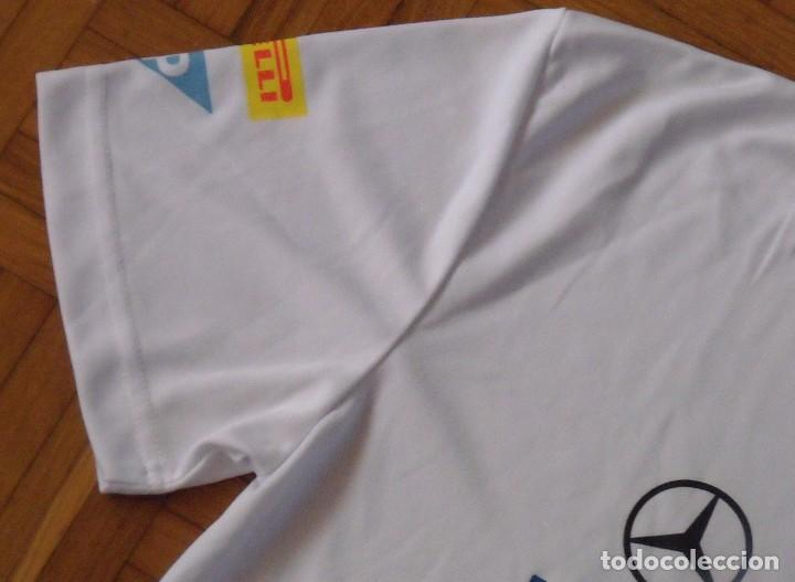 Coleccionismo deportivo: Camiseta Mercedes McLaren Fórmula 1. Autógrafos de Jenson Button Kevin Magnussen. Autographs. 2014. - Foto 8 - 217358417