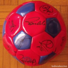 Coleccionismo deportivo: BALÓN F. C. BARCELONA 1996-97 21 AUTÓGRAFOS: RONALDO, FIGO, STOICHKOV, LUIS ENRIQUE, GUARDIOLA, ETC.. Lote 218568716
