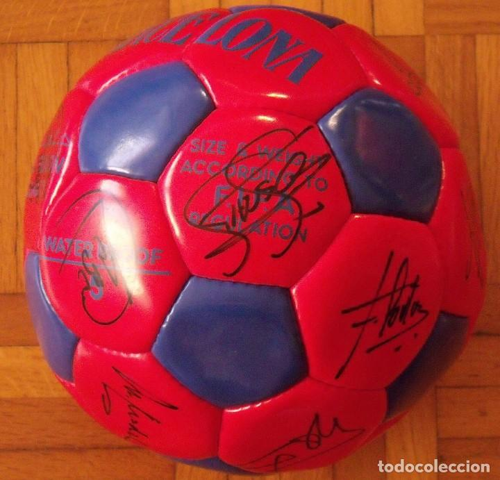 Coleccionismo deportivo: Balón F. C. Barcelona 1996-97 21 autógrafos: Ronaldo, Figo, Stoichkov, Luis Enrique, Guardiola, etc. - Foto 12 - 218568716