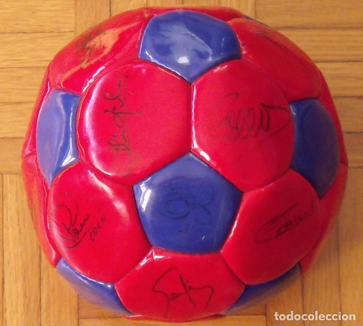 BALÓN F. C. BARCELONA 1999-2000. 23 AUTÓGRAFOS. RIVALDO, COCU, GUARDIOLA, SERGI, GABRI, XAVI..... (Coleccionismo Deportivo - Documentos de Deportes - Autógrafos)