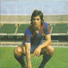 Coleccionismo deportivo: AUTÓGRAFO, FIRMA ORIGINAL TOMÉ. PROGRAMA OFICIAL F. C. BARCELONA. SPORTING DE GIJÓN. 1975.. Lote 221698285