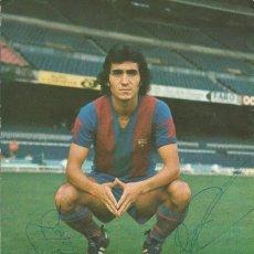 Coleccionismo deportivo: AUTÓGRAFO, FIRMA COROMINAS Y FORTES. PROGRAMA OFICIAL F. C. BARCELONA. RACING DE SANTANDER. 1975.. Lote 221702170