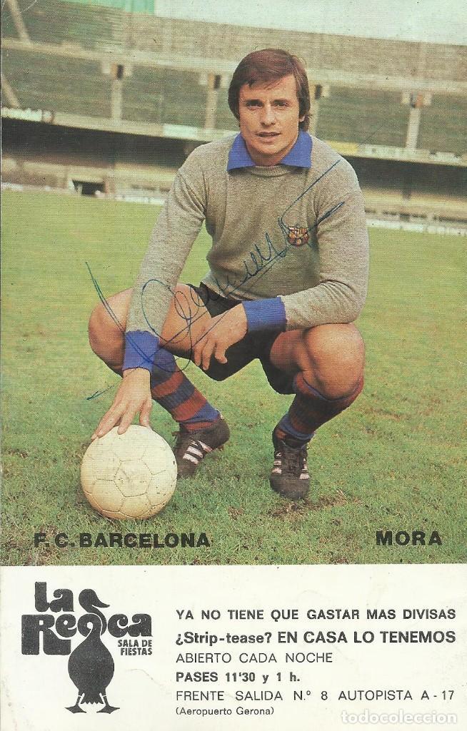 AUTÓGRAFO, FIRMA ORIGINAL MORA. PROGRAMA OFICIAL F. C. BARCELONA. VASAS DE BUDAPEST. 1975. (Coleccionismo Deportivo - Documentos de Deportes - Autógrafos)