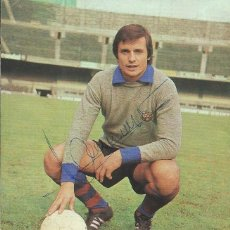 Coleccionismo deportivo: AUTÓGRAFO, FIRMA ORIGINAL MORA. PROGRAMA OFICIAL F. C. BARCELONA. VASAS DE BUDAPEST. 1975.. Lote 221703007