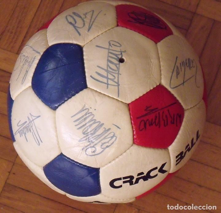 Coleccionismo deportivo: Balón F. C. Barcelona 1984-85. 23 autógrafos firmas originales autographs: Schuster, Urruti, Migueli - Foto 4 - 222792560
