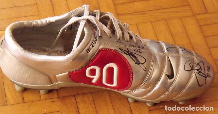 Coleccionismo deportivo: Botas match unworn. Autógrafos autographs: Messi, Ronaldinho, Puyol, Iniesta, Gio, Márquez, Belletti - Foto 13 - 232420770