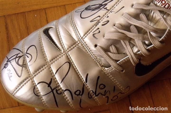 Coleccionismo deportivo: Botas match unworn. Autógrafos autographs: Messi, Ronaldinho, Puyol, Iniesta, Gio, Márquez, Belletti - Foto 15 - 232420770