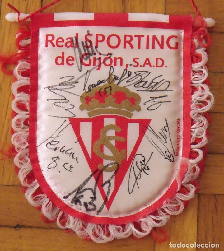 Coleccionismo deportivo: Real Sporting de Gijón. 2020-21. 17 autógrafos, autographs, firmas originales. Banderín oficial. - Foto 2 - 224463585