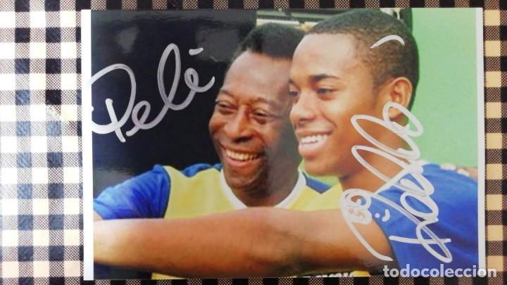 FOTO AUTÓGRAFO ORIGINAL DE PELÉ Y ROBINHO COMPRADO EN NAPOLES EN 2016 DE 10X15 CM (Coleccionismo Deportivo - Documentos de Deportes - Autógrafos)
