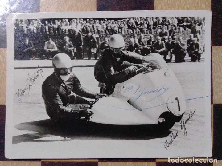 POSTAL FIRMA ORIGINAL WALTER SCHNEIDER MOTO SIDECAR BMW 1958-59 (Coleccionismo Deportivo - Documentos de Deportes - Autógrafos)