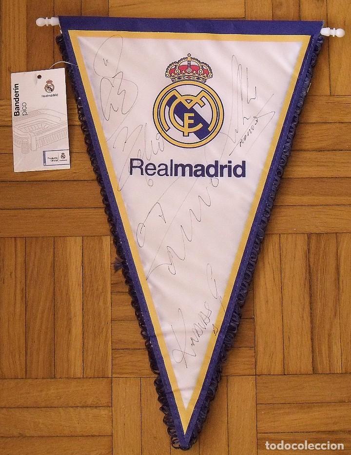 BANDERÍN REAL MADRID. FUTBOL. AUTÓGRAFOS CRISTIANO RONALDO, SERGIO RAMOS, NAVAS, NACHO Y G. BALE. (Coleccionismo Deportivo - Documentos de Deportes - Autógrafos)