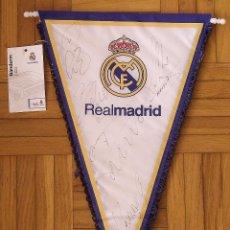 Coleccionismo deportivo: BANDERÍN REAL MADRID. FUTBOL. AUTÓGRAFOS CRISTIANO RONALDO, SERGIO RAMOS, NAVAS, NACHO Y G. BALE.. Lote 237321310