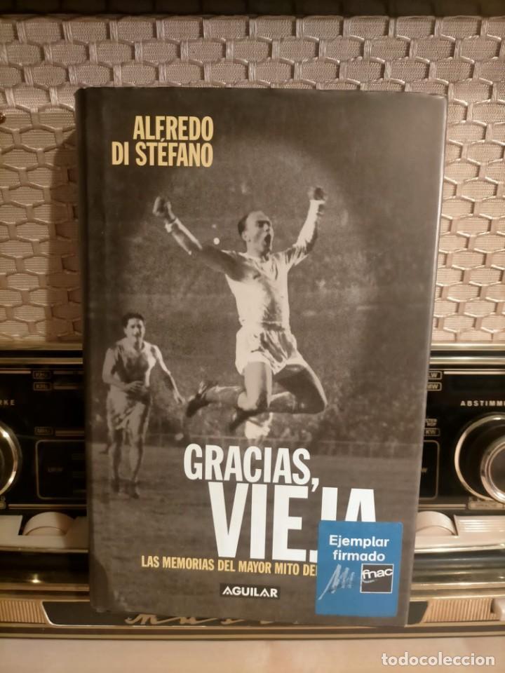 ALFREDO DI STÉFANO BOOK HAND SIGNED AUTOGRAPH REAL MADRID ORIGINAL AUTOGRAFO FIRMADO A MANO (Coleccionismo Deportivo - Documentos de Deportes - Autógrafos)