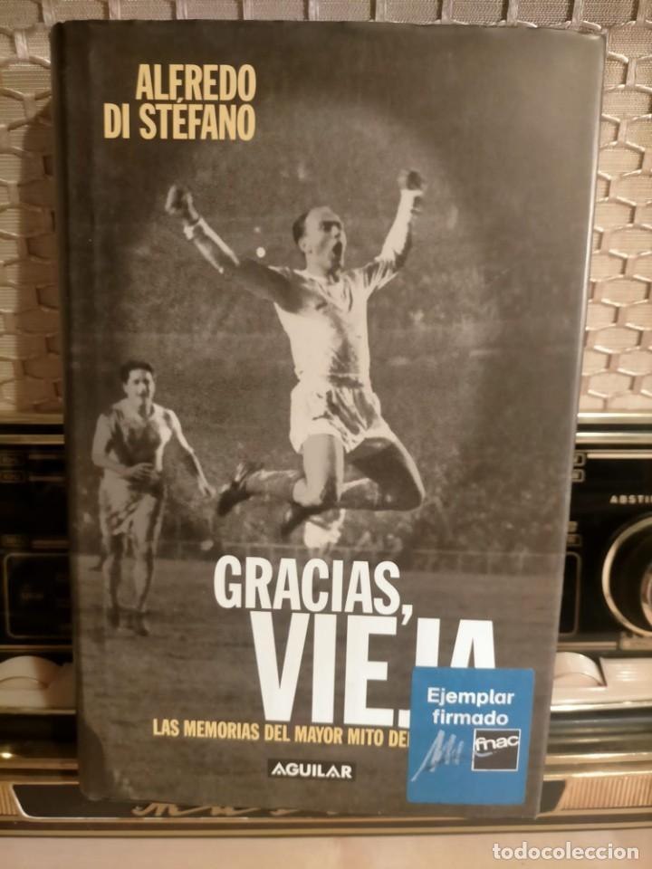Coleccionismo deportivo: ALFREDO DI STÉFANO BOOK HAND SIGNED AUTOGRAPH REAL MADRID ORIGINAL AUTOGRAFO FIRMADO A MANO - Foto 2 - 244410145