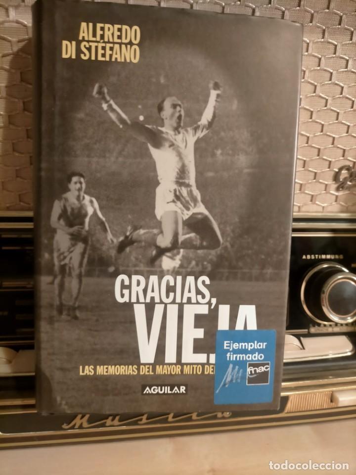 Coleccionismo deportivo: ALFREDO DI STÉFANO BOOK HAND SIGNED AUTOGRAPH REAL MADRID ORIGINAL AUTOGRAFO FIRMADO A MANO - Foto 3 - 244410145